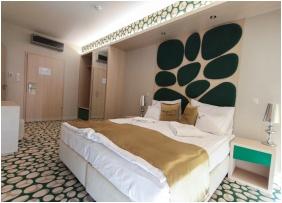 Standard szoba, Hotel Aurum Family, Hajdúszoboszló
