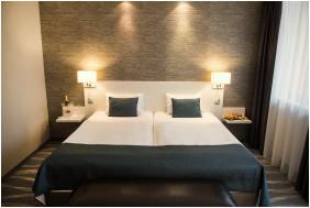 Hotel Azúr,