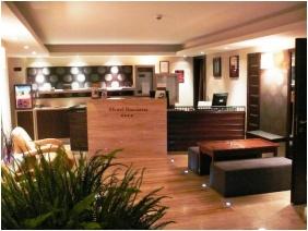 Hotel Bassiana, Recepció