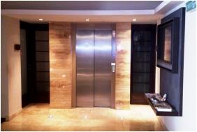 Hotel Bassıana, Elevator