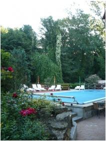 Hotel Bassiana, Inner garden - Sarvar