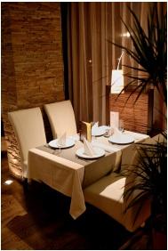 Hotel Bassıana, Sarvar, Restaurant