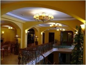 Hotel Bellevue, Épület - Esztergom