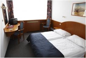 Standard room, Hotel Benczúr, Budapest