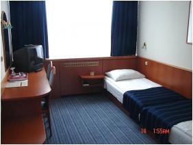 Hotel Benczúr, Economy single room