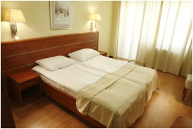 Hotel Benczur, Comfort single room