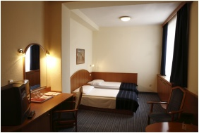Hotel Benczúr, Budapest, Economy triple room
