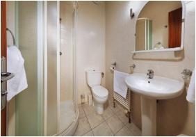 Hotel BorsodChem, Kazincbarcika, Bathroom