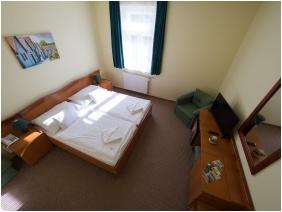 Hotel Cabernet, Kétágyas szoba