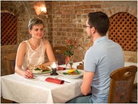 Restaurant - Hotel Cabernet
