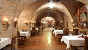Restaurant, Hotel Cabernet, Villanykovesd