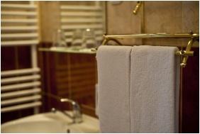 Hotel Canada, Budapest, Bathroom