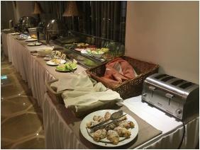Breakfast, Hotel Capitulum, Gyor