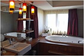 Bathroom, Caramell Premium Resort, Buk, Bukfurdo