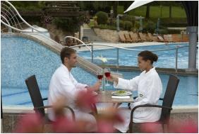 Outside pool, Naturmed Hotel Carbona, Heviz