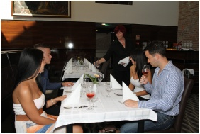 Restaurant, Hotel Castello, Siklos