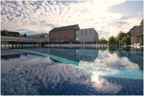 Hotel Castello, Outside pool
