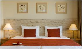 - Hotel Castle Garden