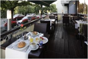 Hotel Charles, Mic dejun - Budapesta