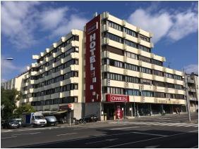 Hotel Charles, Épület - Budapest
