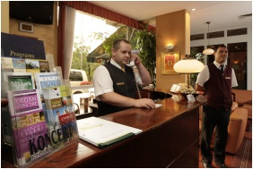 Hotel Charles, Recepcija