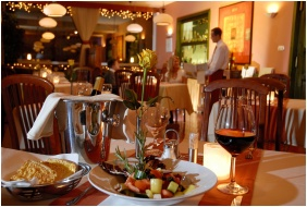 Hotel Charles, Restoran
