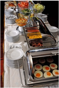 Hotel Charles, Buffet breakfast - Budapest