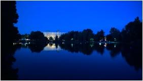 Building in the evening - Hotel Claudius