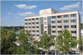 Hotel Delibab, Building