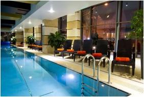 Úszómedence - Hotel Divinus