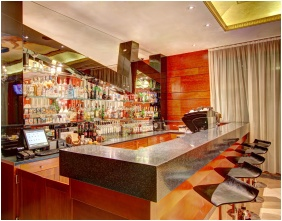 Hotel Dıvınus, Bar