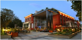 Hotel Divinus, Building - Debrecen