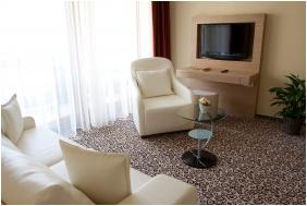- Erdőspuszta Club Hotel