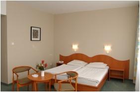 Hunguest Hotel Erkel, Kétágyas szoba - Gyula