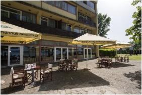 Terrace - Hotel Familia Balatonboglar