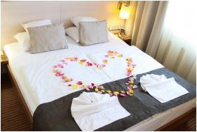 Nászutaslakosztály - Hotel Famulus