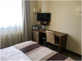 , Hotel Famulus, Gyor