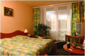, Hunguest Hotel Flóra, Eger