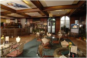 - Hunguest Hotel Flóra
