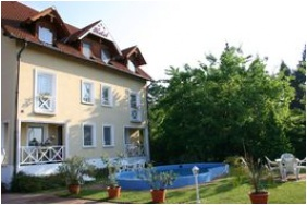 Building - Hotel Francoise