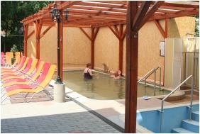 Hotel Hajnal, Covered pool