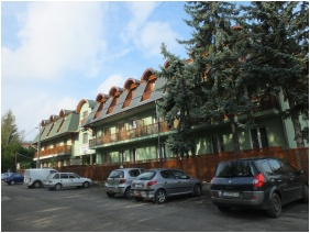 Hotel Hajnal, Mezokovesd, Building