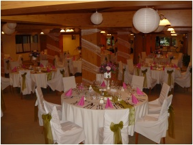 Festive place setting - Hotel Halaszkert