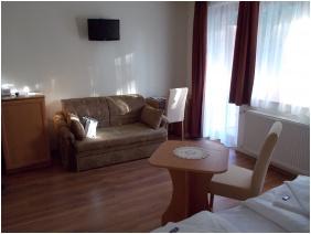Hotel Halaszkert, Badacsony, Double room with extra bed