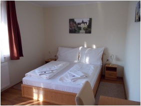 Hotel Halaszkert, Twin room
