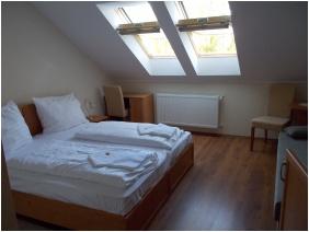 Hotel Halaszkert, Double room with extra bed - Badacsony