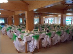 Weddingmeal setting - Hotel Halaszkert