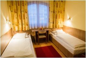 Standard szoba, Hotel Három Gúnár, Kecskemét
