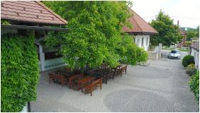 Hasik Hotel, Döbrönte,