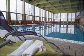 Hunguest Hotel Helikon, Inside pool